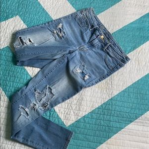 Mid-Rise Denim distressed Jeggings